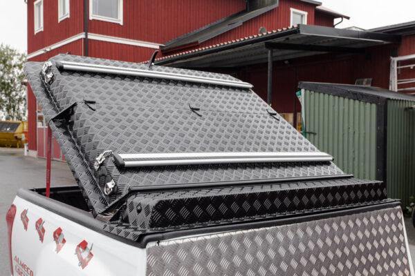 Thule WingBar lasthållarrör på Almecolocket 3