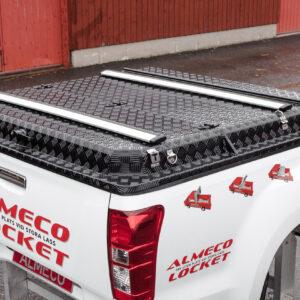 Thule WingBar lasthållarrör på Almecolocket