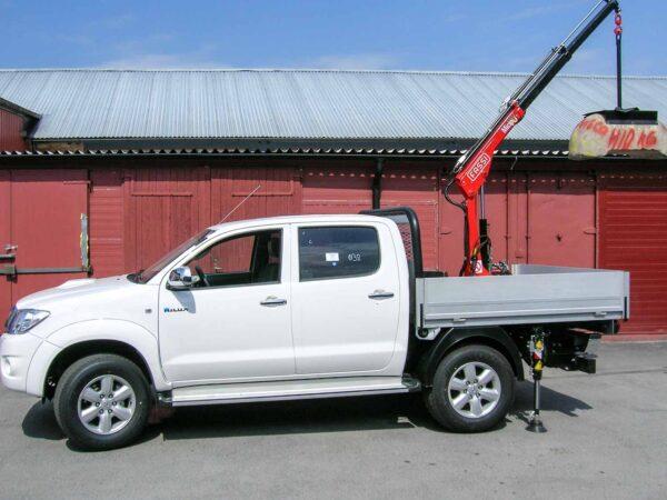 Kranbil Toyota Hilux 2